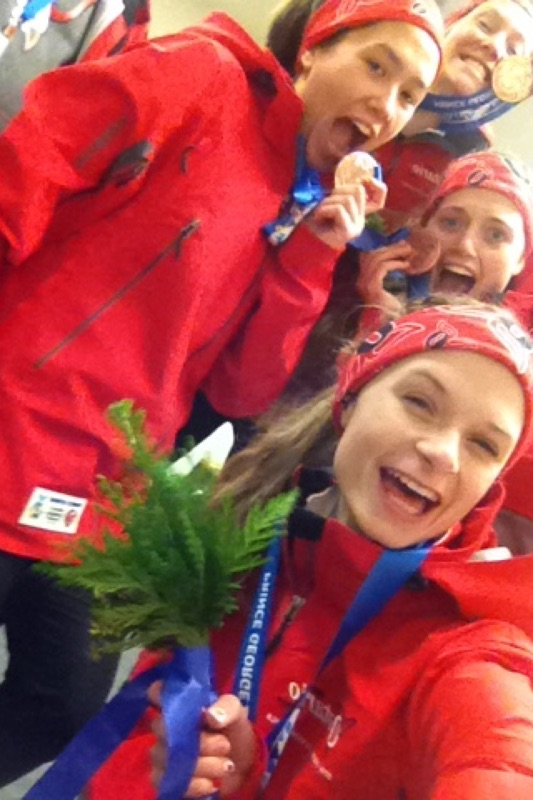 Womens pursuit team Bronze celebrate